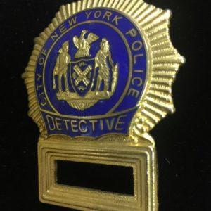 INSIGNIA POLICIA ATREZZO