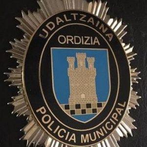 Antigua placa de identificación utilizada por la policía municipal de Ordizia, Guipuzcoa.