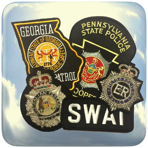 Emblemas bordados de alta calidad. Fabricados con hilo de oro, hilo de plata, relieves y apliques en color.
