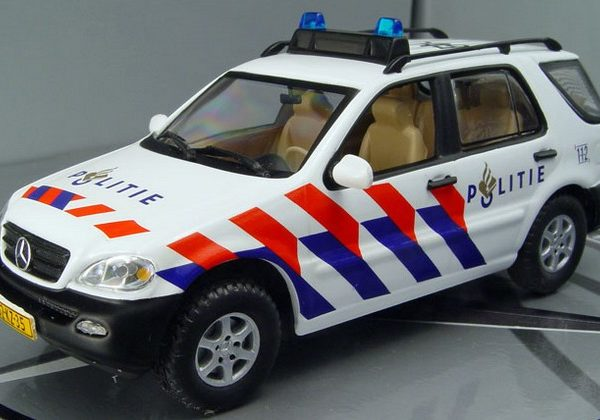 Mercedes M Klasse Dutch Police 2003